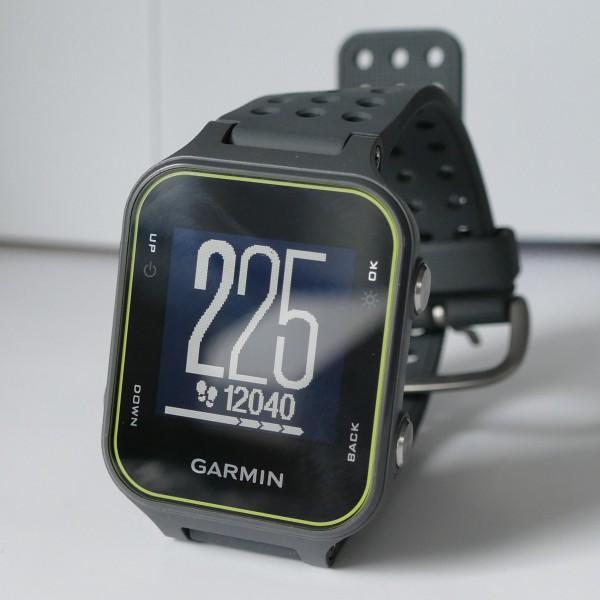 Garmin Approach S20 - Uhrzeit und Anzahl Schritte